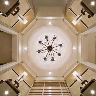 495平欧式风格白色展开视觉空间的延伸及穿透性