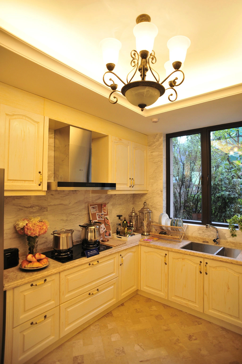 600平法式风格高端别墅装修设计图片