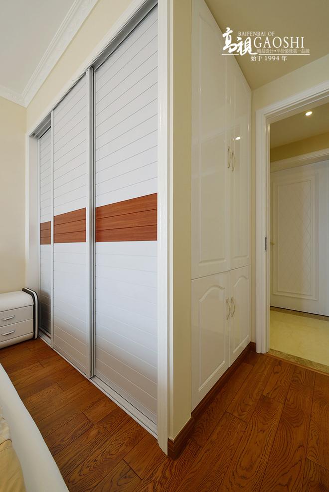 2016客厅电视背景墙装修 精装90平米公寓 现代简约
