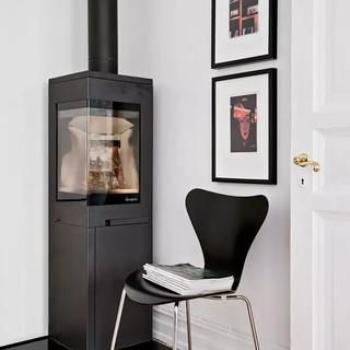 60平瑞典经典白与木色的小公寓