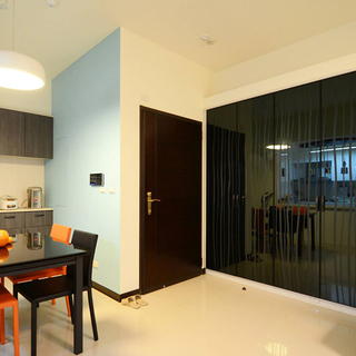 45万高价打造的撞色时尚99平三室两厅