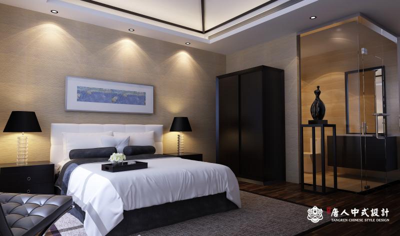 地调奢华的中式风格别墅装修设计:地调奢华的中式风格别墅装修设计没有富丽堂皇的装饰,繁华的点缀,只有朴素、大方、优美、俊秀的新中式元素。中式客厅装修效果图里展现的高挑的空间,被简约的中式花格贯通至二楼,又巧妙的将中式客户与中式餐厅两个空间划分开来。红酸枝的木饰面使得整个中式装修风格更加高贵而低调的奢华,让整个中式装修风格更加宁静而充满更多遐想的空间。